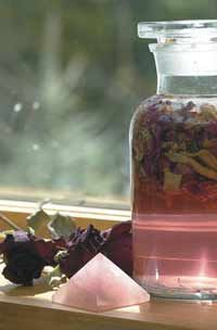 Recipes for Radiant Beauty - Rose Water, Miracle Grains, Herbal Facial Steams, Astringents, Facial Cream Homemade Beauty, Diy Beauty, Beauty Bar, Beauty Secrets, Beauty Products, Herbal Remedies, Natural Remedies, Rosemary Gladstar, How To Make Rose