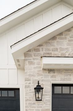 House Paint Exterior, Dream House Exterior, Exterior House Colors, Exterior Design, Garage Exterior, Garage Doors, Entry Doors, Exterior Paint Ideas, Exterior Paint Colors For House With Stone