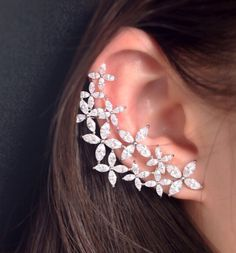 7f8a31c0a Diamond Teardrop Ear Cuff Jacket by BodyKandyCouture on Etsy. Isabel ·  acessorios 01