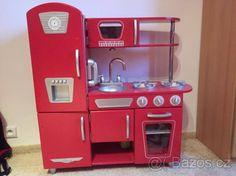 Dřevěná červená kuchyňka - 1