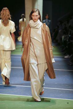 #Farbbberatung #Stilberatung #Farbenreich mit www.farben-reich.com Céline Fall 2016 Ready-to-Wear Fashion Show