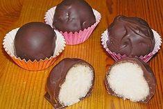 Bounty – Kugeln Bounty Balls (Recipe with Image) from Beetle Sandra No Bake Chocolate Desserts, Chocolate Oreo Cake, Easy Desserts, Oreo Truffles Recipe, Truffle Recipe, Balls Recipe, 3 Ingredient Desserts, Oreo Cream, Dessert For Two
