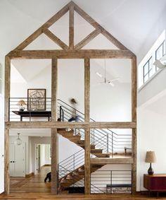 Un loft donde se ha reconvertido el espacio manteniendo los elementos estructurales originales.