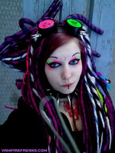 Greta Von Gothic getting more color on as a #CyberGoth girl. Love the spiked color and falls!