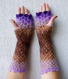 10 Images Showcasing Awesome Crochet 'Dragon Gloves' You Will Love