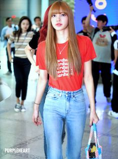 Pin by korean love on blackpink ❤ blackpink lisa, blackpink, Jennie Lisa, Blackpink Lisa, Style Casual, Casual Look, Blackpink Fashion, Fashion Outfits, Womens Fashion, Super Junior, Yg Entertainment