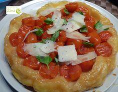 Los Postres de Elena: Tarta tatín con tomates cherry, albahaca y parmesano. http://www.lospostresdeelena.com/2014/05/tarta-tatin-con-tomates-cherry-albahaca.html