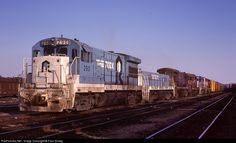 RailPictures.Net Photo: RI 290 Rock Island Railroad GE U33B at Silvis, Illinois by Paul Strang