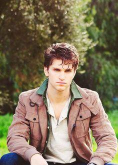 Keegan Allen... I think I just found my new husband:). #prettylittleliars #Toby