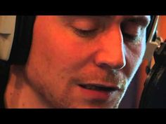 Tom Hiddleston reads Shakespeare's Sonnet 18.