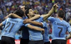 Uruguay's forward Luis Suarez (C) celebrates scoring during the Group D football match between Uruguay and England at the Corinthians Arena in Sao Paulo on June during the 2014 FIFA World Cup. World Cup 2014, Fifa World Cup, Football Match, Sports Betting, Juni, World Championship, Horse Racing, Super Bowl, Soccer