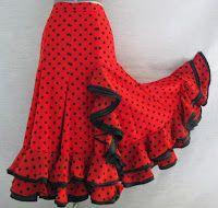 Spanish style – Mediterranean Home Decor Flamenco Costume, Belly Dancer Costumes, Flamenco Skirt, Flamenco Dancers, Dance Costumes, Dance Outfits, Dance Dresses, Skirt Outfits, Spanish Dress