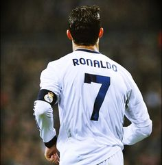 Cristiano Ronaldo wearing the Real Madrid number 7 jersey, view from the back, in 2013 Cristiano Ronaldo 2013, Ronaldo Football, Messi And Ronaldo, World Best Football Player, Soccer Players, Real Madrid Wallpapers, Uefa Super Cup, Ronaldo Real Madrid, Soccer