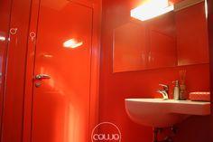 Coworking a Cordenons Pordenone @ mod-o - Rete Cowo Coworking Network Bathroom Lighting, Mirror, Furniture, Home Decor, Bathroom Light Fittings, Bathroom Vanity Lighting, Decoration Home, Room Decor, Mirrors