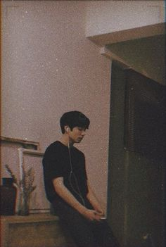 Jungkook just sitting concentrating. i love BTS and JUNGKOOK he puts so much hard work into his career to please us and ofc himself Bts Jungkook, Taehyung, Jungkook School, Namjoon, Jung Kook, Foto Bts, Bts Photo, Jikook, Bts Lockscreen