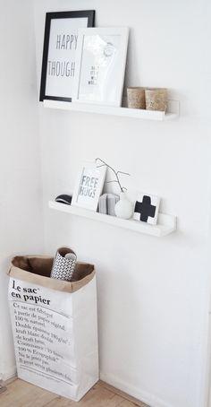 ♥ Scandinavisch, licht, fris en ruimtelijk. (Ribba houder voor lijsten)