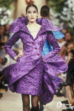Yves Saint Laurent, Autumn-Winter 1989, Couture | Yves Saint Laurent (designer) - Europeana