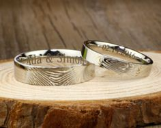 Regalos personalizados su prometan anillos oro por JRingStudio