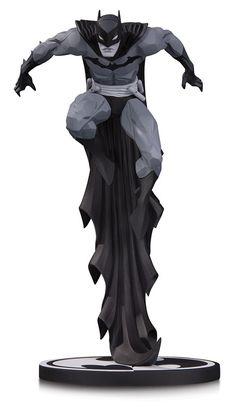 BATMAN BLACK & WHITE BATMAN BY JONATHAN MATTHEWS STATUE