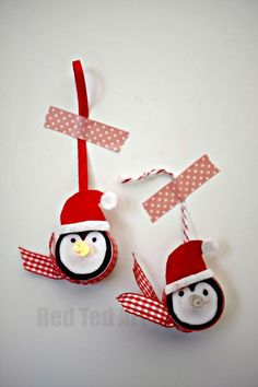 Light Up Penguin Ornaments, these are simply TOO CUTE - check out the snowman version too - great for school fairs and fundraisers by mae Penguin Ornaments, Christmas Ornament Crafts, Christmas Crafts For Kids, Christmas Activities, Christmas Projects, Winter Christmas, Holiday Crafts, Christmas Gifts, Tea Light Snowman
