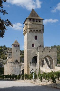 Cahors | bridge with little stone devil | Saint James Walk | Chemin de Saint Jacques