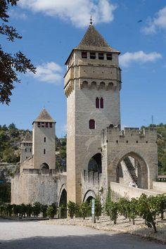 Pont Valentré construit au XIVe siècle Cahors, Midi-Pyrénées, France