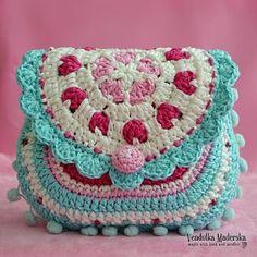 Hearts purse crochet pattern purse DIY by VendulkaM on Etsy Crochet Purse Patterns, Bag Crochet, Crochet Shell Stitch, Crochet Diy, Crochet Handbags, Crochet Purses, Love Crochet, Crochet Crafts, Crochet Projects