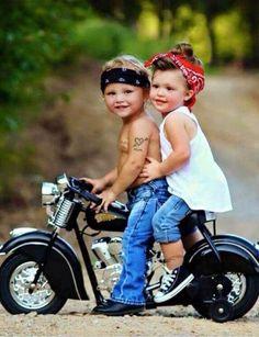 Jaw-Dropping Useful Tips: Harley Davidson Diy Holidays harley davidson gifts for her.Harley Davidson Women Sterling Silver harley davidson gifts for her. Biker Chick, Biker Girl, Harley Davidson Modelle, Pin Up, Foto Baby, Cool Bikes, Beautiful Children, Beautiful Wife, Belle Photo