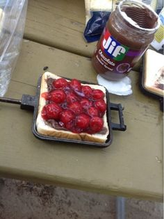 Backyard Firepit Desserts (for Camping too gourmet hobo pies by Katis Real Food Recipes Camping Desserts, Camping Meals, Camping Recipes, Backpacking Recipes, Camping Hacks, Camping Dishes, Kayak Camping, Camping Cooking, Truck Camping