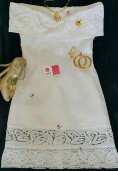 Vestido estilizado trabajado en tecnica de talco al sol en tela de hilo y organza, encajes de torchon. Siguenos en instagram guairabyjt Mexican Dresses, Simply Beautiful, Her Style, Dress Patterns, Embroidery Designs, Fashion Dresses, White Dress, Dressing, Wedding Dresses