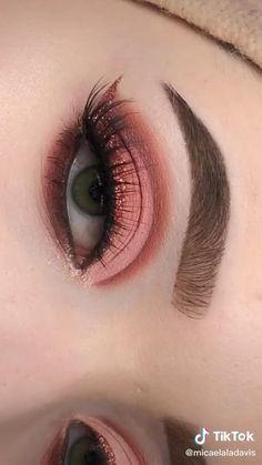 Makeup Looks Tutorial, Smokey Eye Makeup Tutorial, Eye Makeup Steps, Makeup Eye Looks, Eye Makeup Art, Eyebrow Makeup, Makeup Tips, Teen Eye Makeup, Creative Eye Makeup