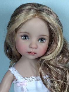 Little Darlings vinyl dollsI Clay Dolls, Doll Toys, Pretty Dolls, Beautiful Dolls, Porcelain Dolls For Sale, Realistic Dolls, Vinyl Dolls, Diana, Flower Fairies