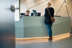 NITO - Reception design by Iark. Photo by Ilja Hendel. Reception Design, Office Reception, Reception Areas, Bright Office, Interior Architecture, Interior Design, Vet Clinics, Scandinavian Design, Entrance