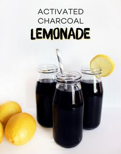 Have you seen activated charcoal drinks in your favorite juice shops? Skip the price tag and make your own at home! Juice Smoothie, Smoothie Drinks, Detox Drinks, Smoothies, Yummy Drinks, Healthy Drinks, Healthy Snacks, Healthy Eating, Healthy Detox