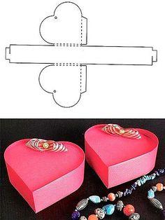 Подарочная коробка своими руками может впечатлить порой даже больше самого подарка. Сделать её можно из плотного картона или специальной бумаги.