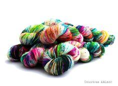 Merino singles yarn fingering weight hand par CountessAblaze