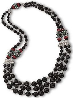 How to Choose the Perfect Necklace Art Deco Necklace, Onyx Necklace, Necklace Ideas, Art Deco Jewelry, I Love Jewelry, Pendant Jewelry, Beaded Jewelry, Antique Jewelry, Vintage Jewelry
