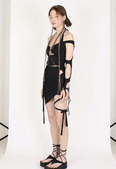 Fashion 2020, 90s Fashion, High Fashion, Fashion Outfits, Womens Fashion, Fashion Trends, Stage Outfits, Mode Outfits, Pretty Outfits