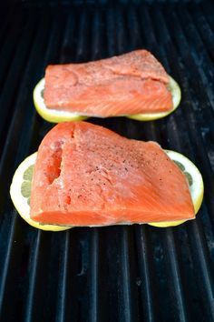 Enjoyable grilled salmon recipes in foil including seasonal Grilling Recipes, Fish Recipes, Seafood Recipes, Cooking Recipes, Healthy Recipes, Tilapia Recipes, Cooking Corn, Grilling Tips, Cooking Videos