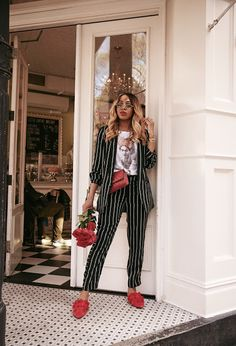 #suitstyle #womensuits #styleinspo #pinstripe #springtrends #topspringtrends #pinstripesuit
