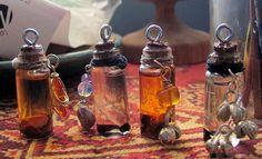 How to make spell bottles/pendants