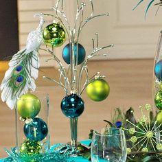 Peacock-Theme Christmas Table Decorating Ideas