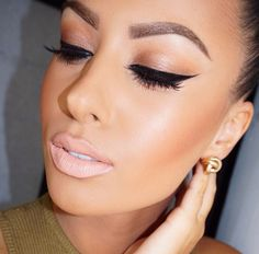 Glamrezy does face-beating perfection again. Pink-nude lip, incredible brows, and subtle smokey eye with dramatic wing. Flawless Makeup, Gorgeous Makeup, Pretty Makeup, Love Makeup, Makeup Looks, Makeup Trends, Makeup Tips, Hair Makeup, Makeup Ideas