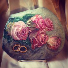 #stonepainting #rockpainting #росписькамней #подарок  #roses