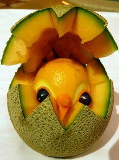 Melon con diseño de cascaron de huevo  y pollito