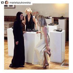 Przyłapana w przelocie #gala @gentlewoman.media @_alicja_napiorkowska @baldowskiwb piekna suknia @justynachrabelska #gala#wystrojone #kobiety#siła#wieczór