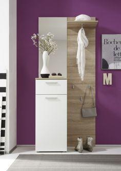 Malá praktická předsíňová stěna. Bathroom Hooks, Bathroom Lighting, Mirror, Easy, Furniture, Home Decor, Bathroom Light Fittings, Bathroom Vanity Lighting, Decoration Home
