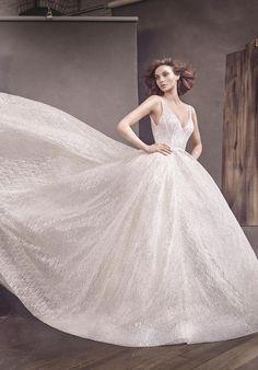366c2f0e31ce 91 Best LAZARO Haute cotoure gowns 2018/2017 images | Bridal gowns ...