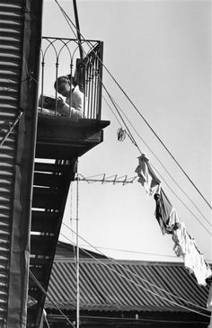 André Kertész, Boca, Buenos Aires, 18 juillet 1962. From On Reading.