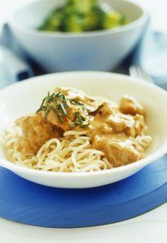 Nudeln mit Schnitzelfleisch & saurer Sahne - super schnelles Rezept für jeden Tag